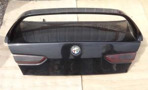 klapa tylna pokrywa bagażnika Alfa 156 sedan kompletna ze spoilerem
