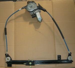 elektryczny podnoœnik szyby drzwi Lancia Ypsilon 95-03 lewy