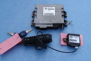 komplet, zestaw: komputer, stacyjka, kluczyk, centralka immobiliser Fiat Palio 1,2 IAW 18F.B4 46534755
