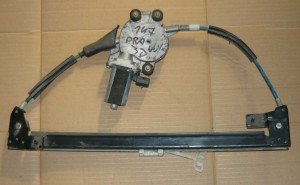 elektryczny podnoœnik szyby drzwi przedni Alfa Romeo 147 prawy