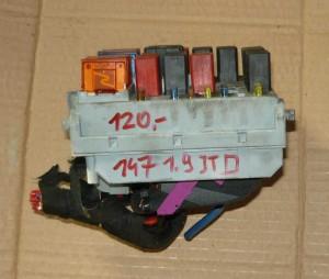skrzynka bezpieczników Alfa 147 1,9 JTD 46558760