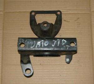 Fiat Punto 2 II 1,9 JTD wspornik łapa poduszka silnika prawa