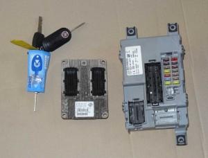 komplet, zestaw: komputer, kluczyk, centralka BSI Fiat 500 1,2 typ: IAW 5SF8.MR nr: 51819346